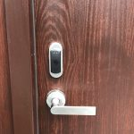 Smart air lock installed on an interior door